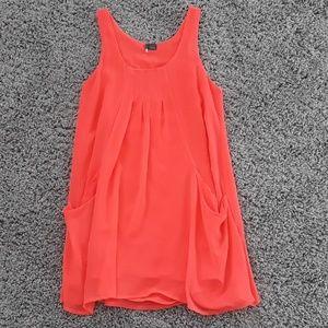 NWOT Sparkle and Fade Flowy Dress w/ Pockets